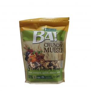 Crunchy Museli BA Bakalland / 300гр е идеалната смес от печена пшеница и овесени зърна с питателни ядки, семена и сушени плодове.
